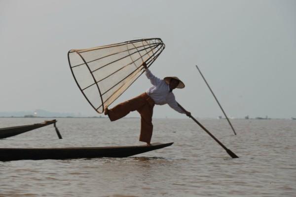 fischer inle see myanmar