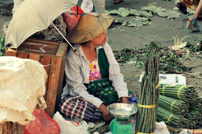 Verkäuferin Yangon