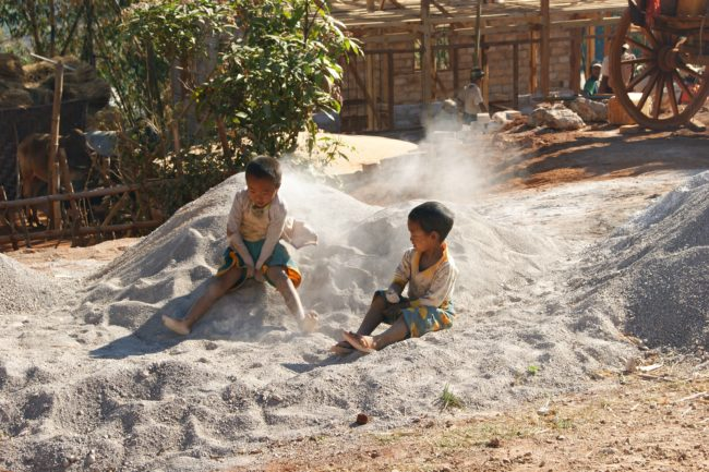 kinder myanmar