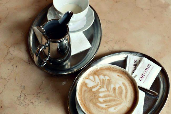Kaffee im Café Savoy