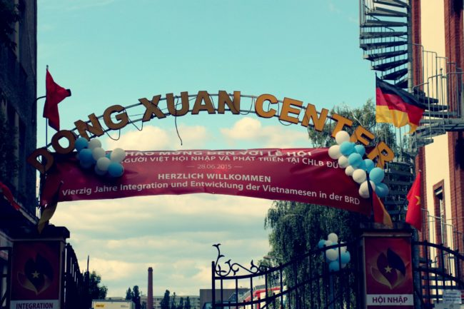 eingang dong xuan center