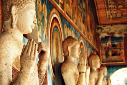 Anuradhapura Buddistische Statuen