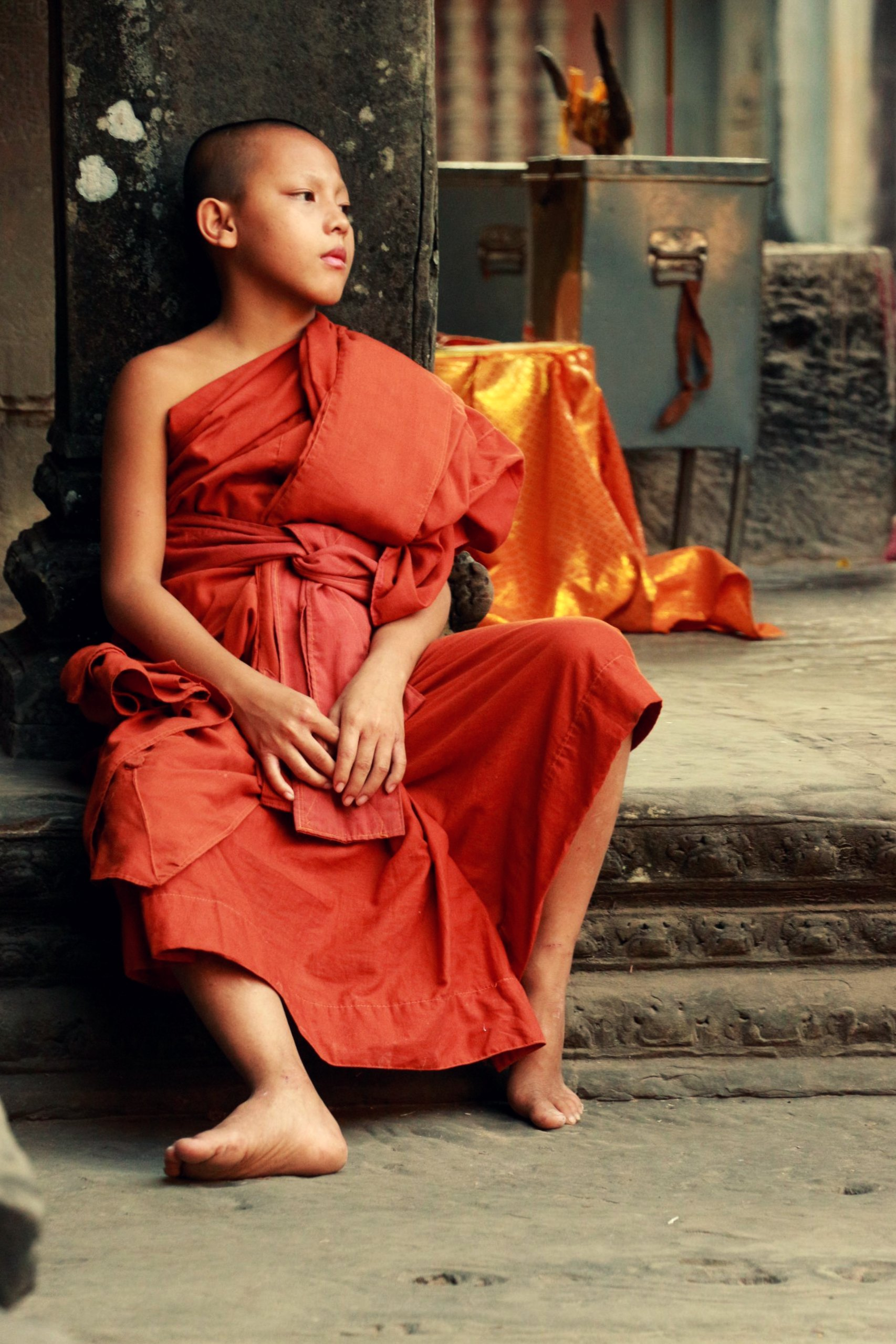 Junger Mönsch im Angkor Wat Tempel