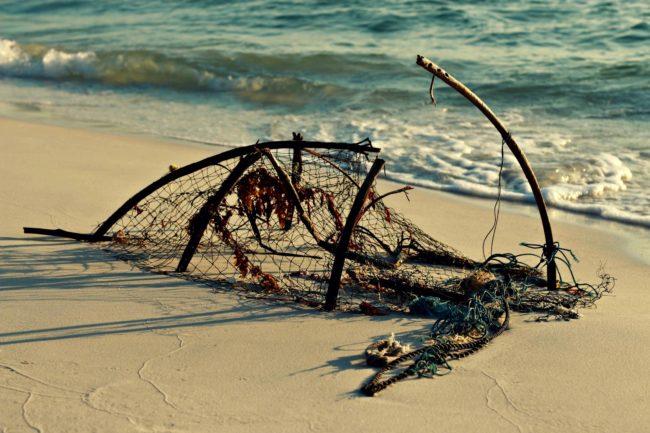 Fischernetz im Sand