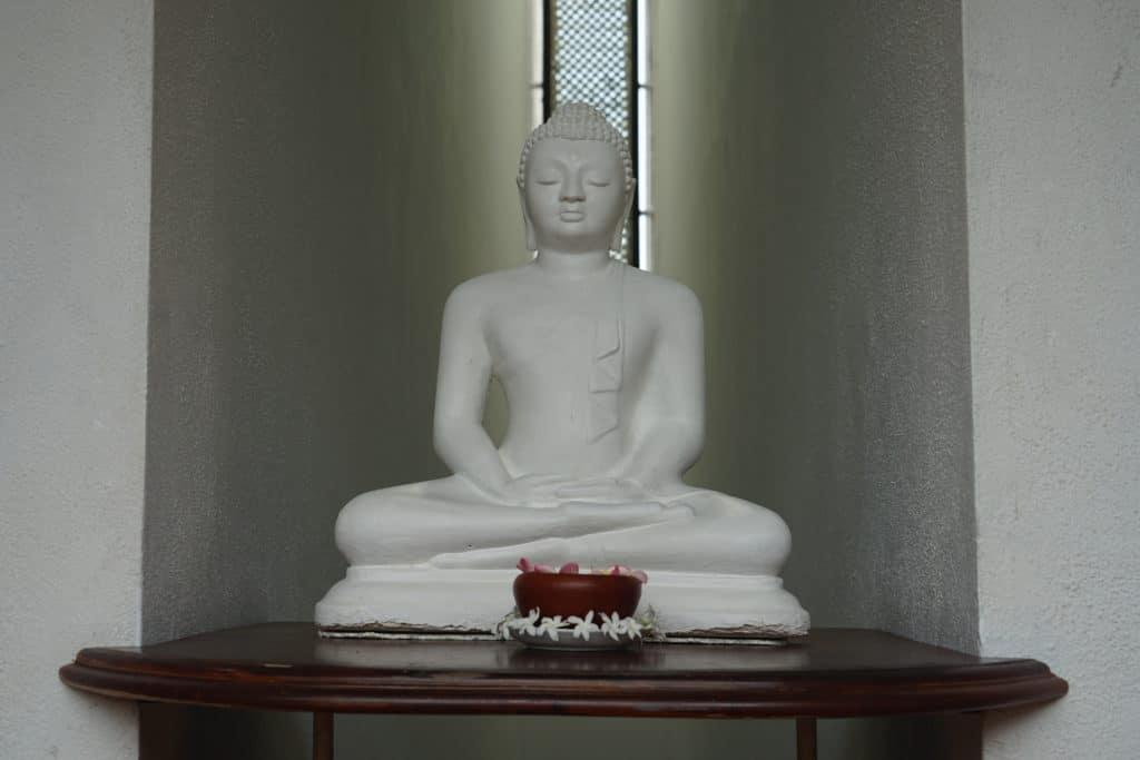 Kleiner weißer Buddha
