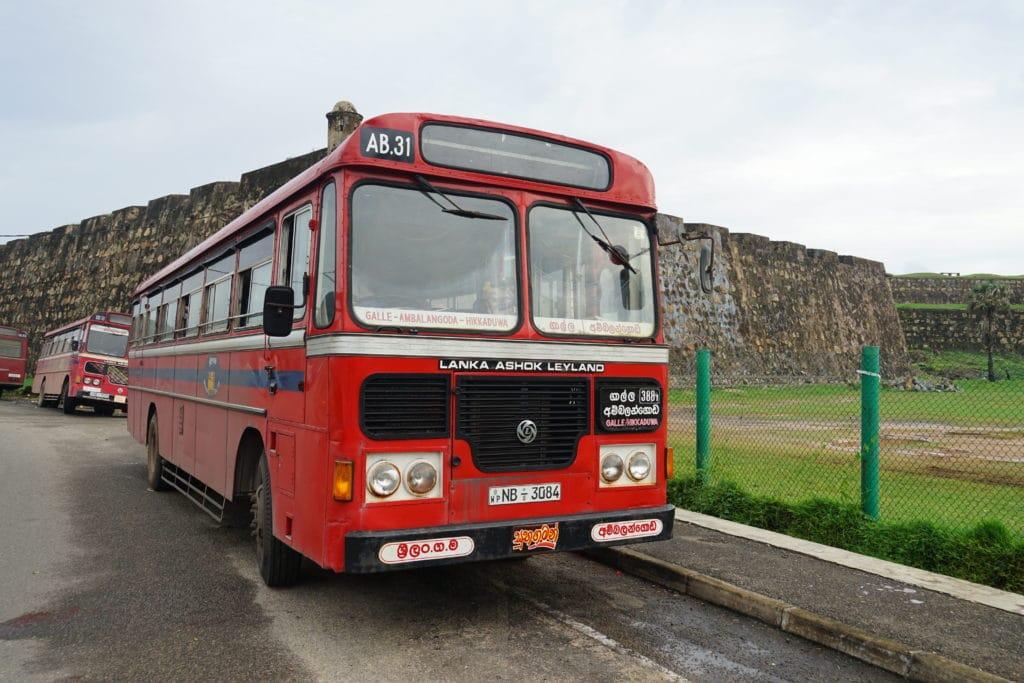 Lokaler Bus in Sri Lanka